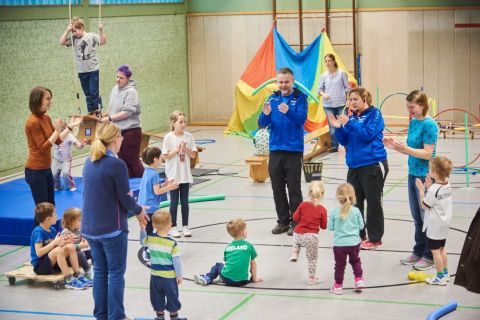 Familiensport an Wintersonntagen